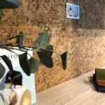 Kork vegg som praktisk oppslagstavle på kontor