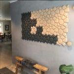 Kork vegg som blikkfang i gangen