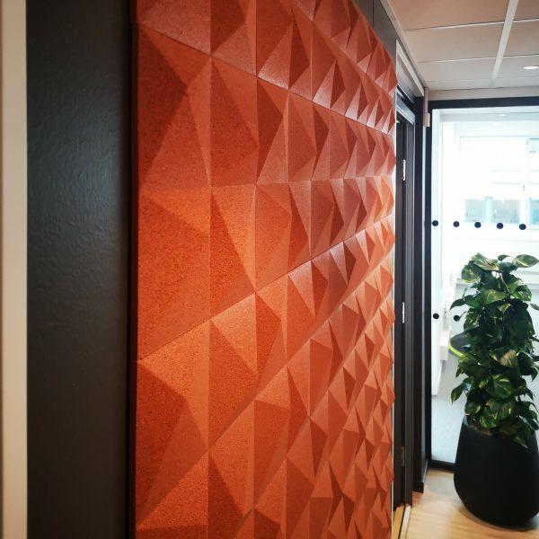 Detaljbilde av 3D kork fliser på vegg