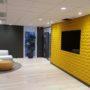 trendy 3d kork vegg i gult på kontor i oslo