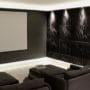 Lydpanel i 3D mønster i stort TV rom