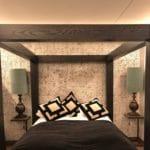 Suite i Kristiansand Dyrepark Hotell bekledd med natur fliser i kokosnøtt i fargen hvit rustikk