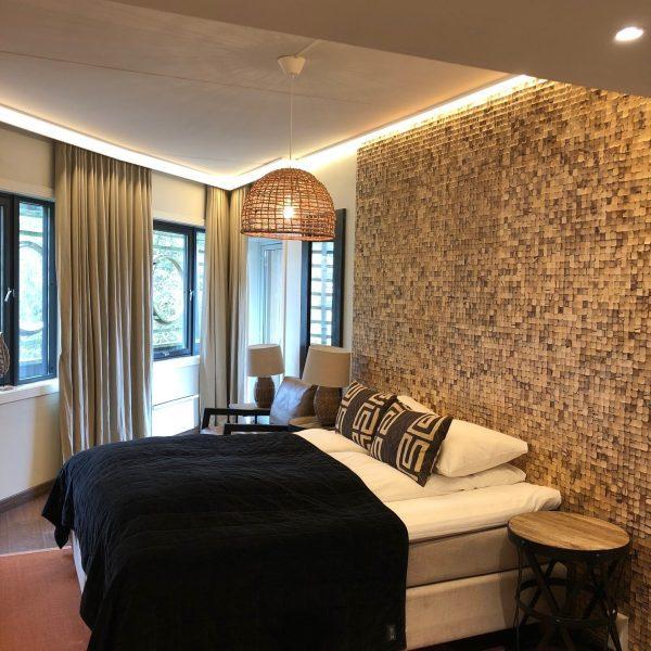 Soverom suite på hotell med natur fliser i kokosnøtt