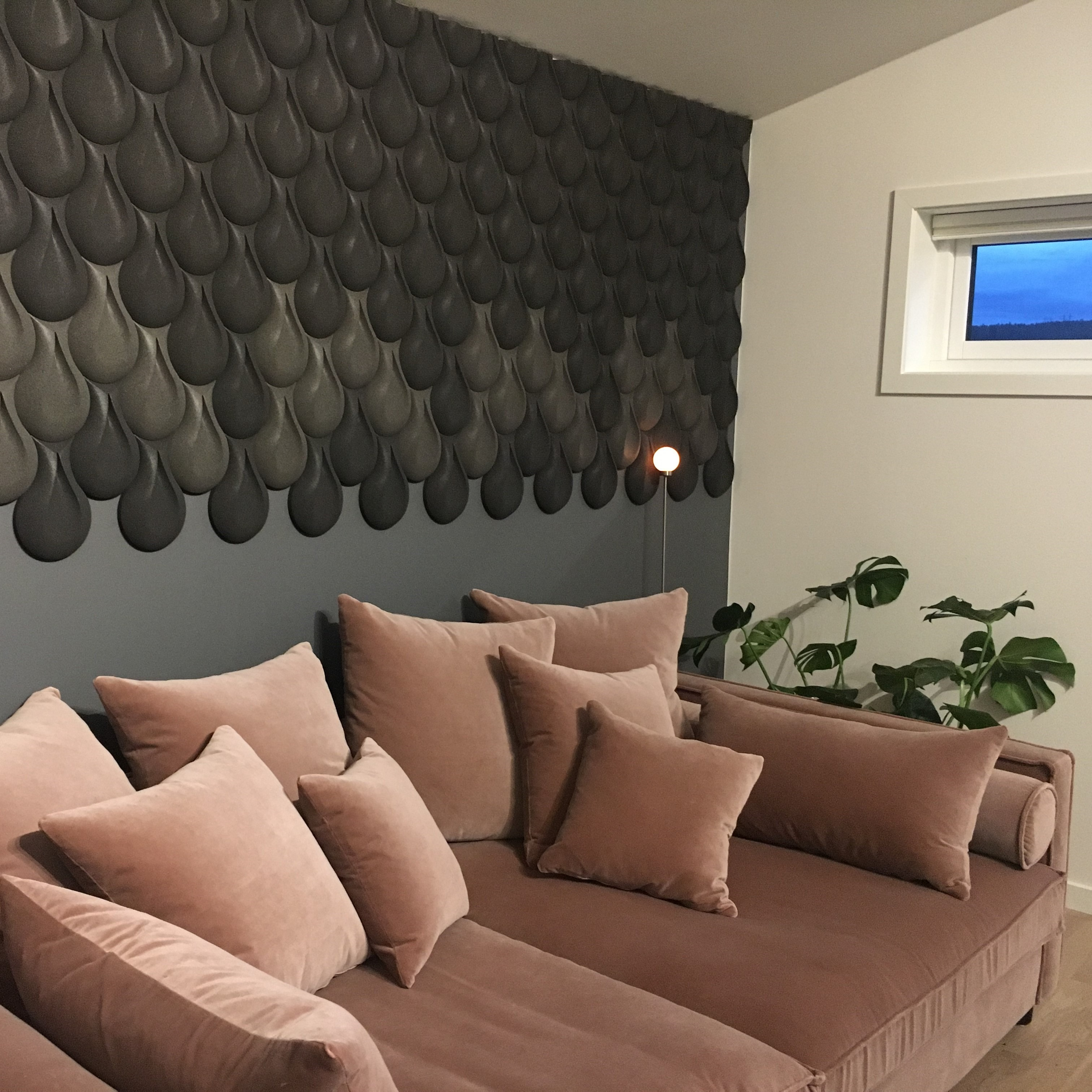 3D kork vegg i grå og brun i stue