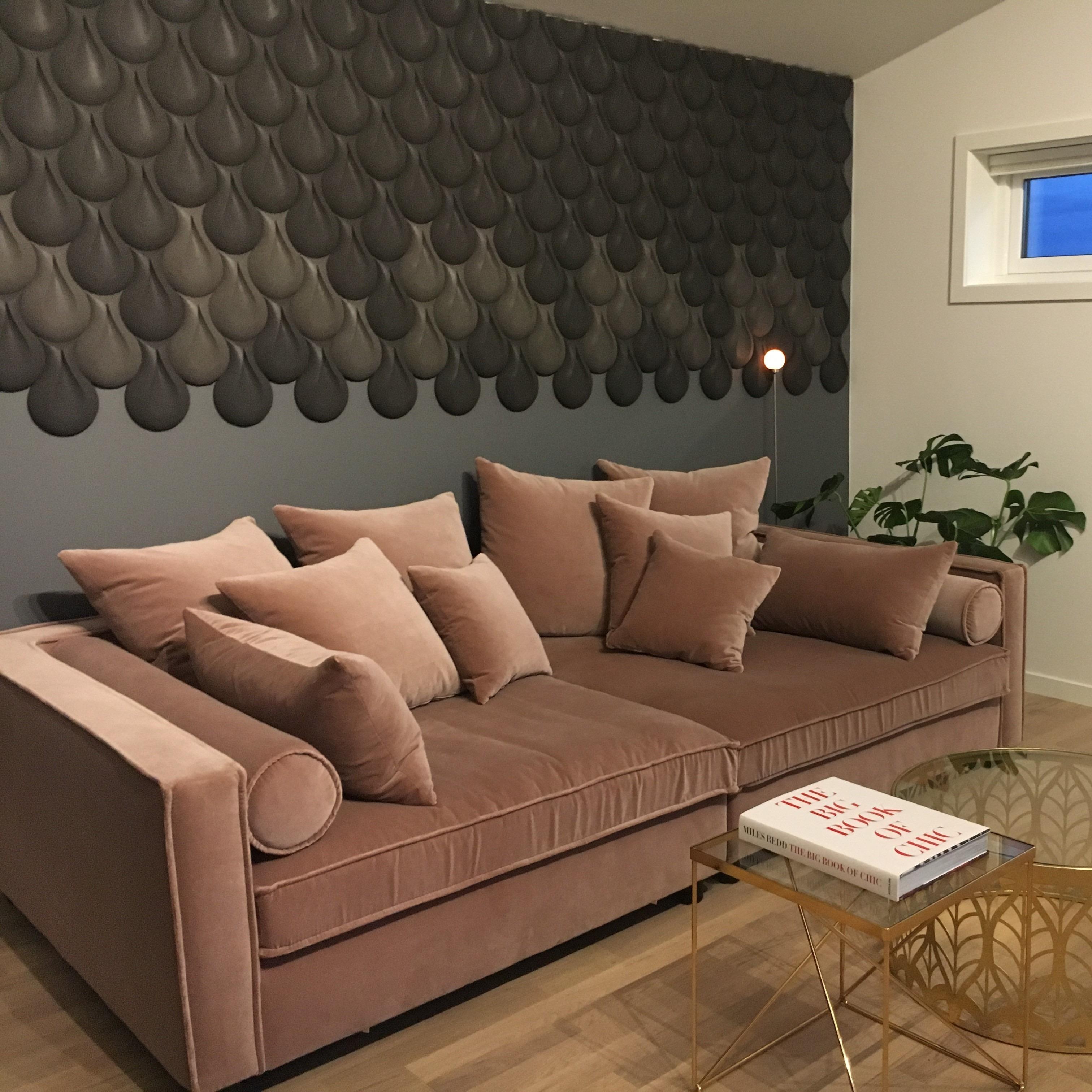 Kork vegg som flott kontrastvegg i stue