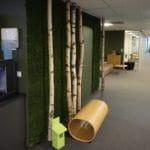 Mose vegg på kontoret til Veidekke