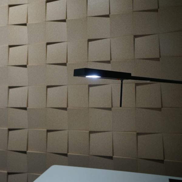 Dekor vegg i 3D kork fliser hos Senab Eikeland