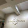 Lyddempende panel i himling hos Eger Skin Clinic