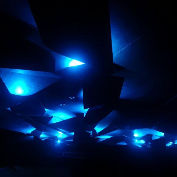 Akustikk plater designet som oregami på Geilo kino