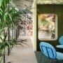 Praktisk kork vegg i grønn farge på kontor