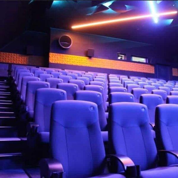 Geilo kino med akustikkpanel i himling og på vegger