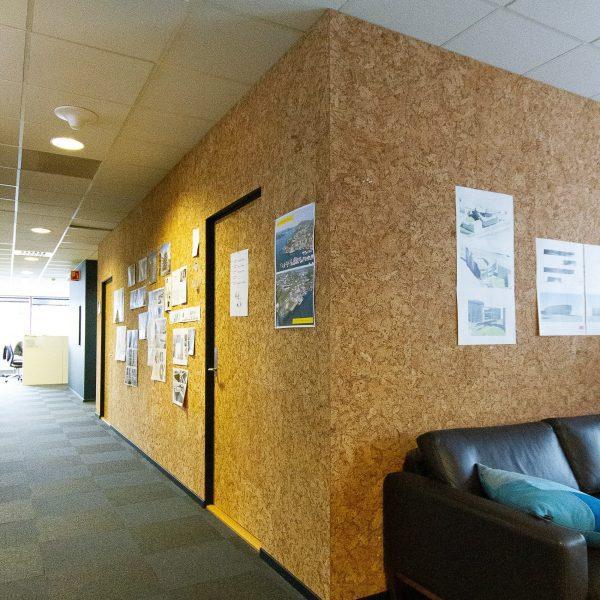 Praktiske kork fliser på kontoret til Holon Arkitekter i Bergen
