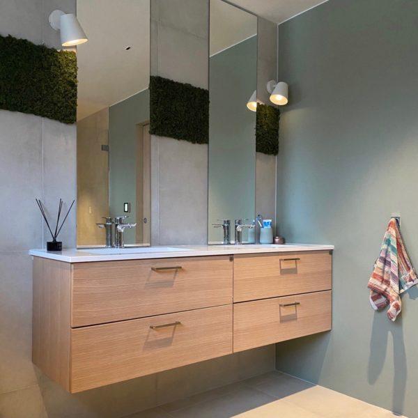 Lekker mose vegg som dekor vegg på bad