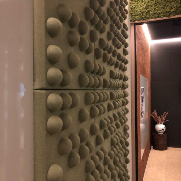 Lekkert kontor med lyddempende vegger