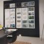 Lydplater som oppslagstavle i resirkulert materiale på arkitekt kontor i Drammen