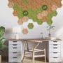 Hexagon fliser i kork som lekkert bilde på hjemmekontoret